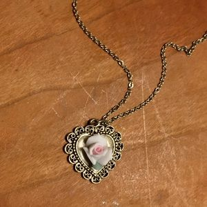Jewelry - Vintage Ceramic Rose/Heart Pendant